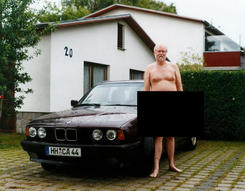 фото письки на фоне авто